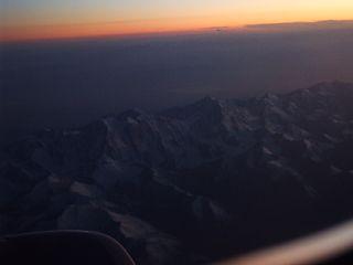 機内から夕陽を眺め