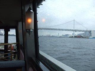 船内から。レインボーブリッジ