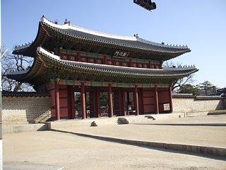 昌徳宮、敦化門