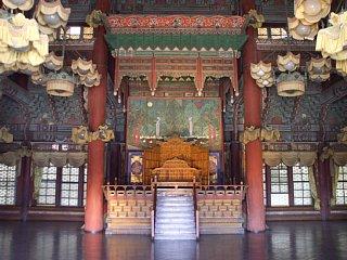 昌徳宮、仁政殿