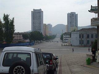 統一館前から眺める開城新市街地