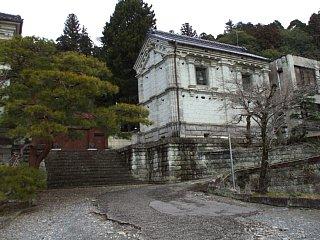大谷石で築かれた建物