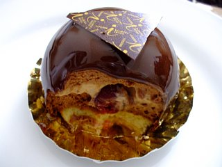 パティシェ・イナムラ・ショウゾウのドームショコラ