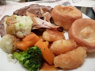 ご馳走になった英国家庭料理の数々