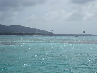 タナパグ湾付近の海上から