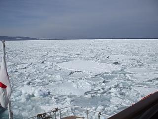 オホーツク海、網走沖の流氷帯