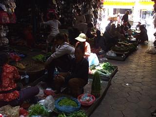 オールドマーケットの野菜市場