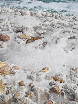 死海の湖岸