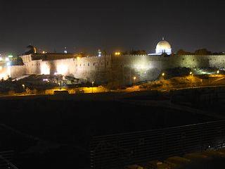 エルサレム旧市街の夜景