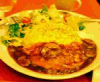 卵と私のサラダオムライス・デミグラスソース